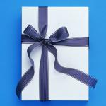 就職祝いのプレゼント!男性へ贈るための選び方とポイント
